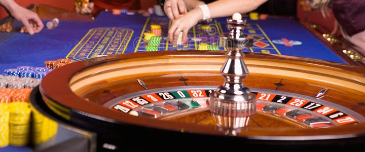5 Crucial Things Beginners Must Know Before Playing Poker Game - Gambling