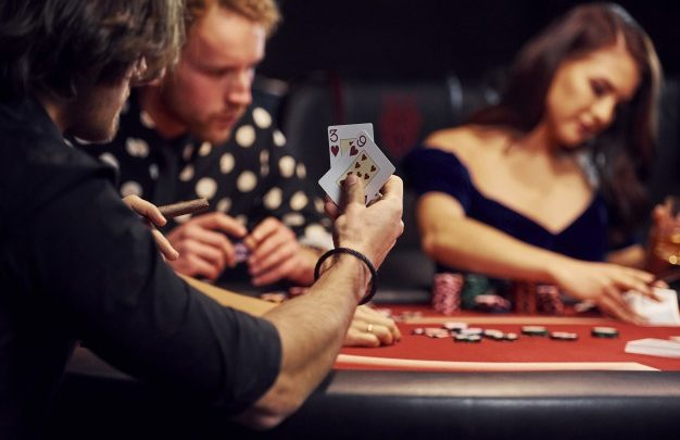 Why Poker Is A Good Career Option - Online Gaming