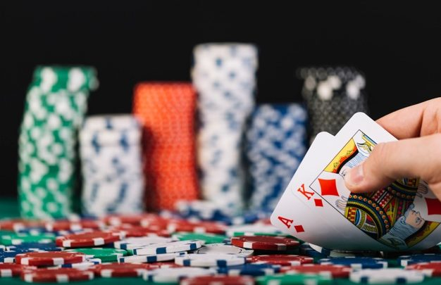 Why You Should Play Online Slots At Casinos