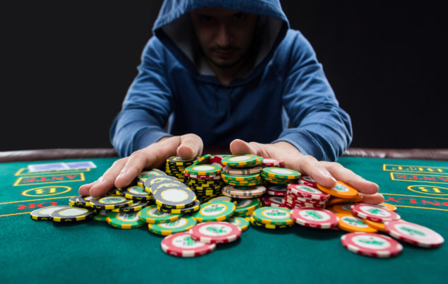 Common means to cheat in online poker